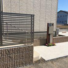 木目調の機能門柱 NO.792の施工写真3