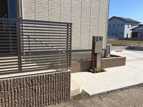 木目調の機能門柱 NO.792の施工後写真2