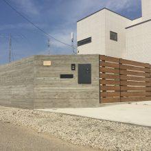 杉板風RC擁壁と木調フエンス NO.837の施工写真