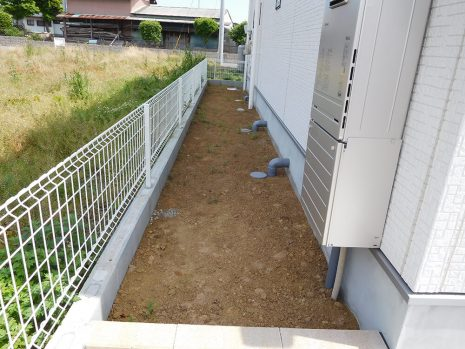 芝と砂利で雑草対策 NO.885の施工前写真2