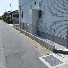 渋い石貼りアプローチ NO.881の施工写真2