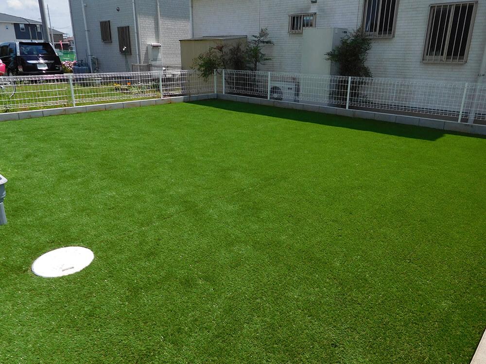 芝と砂利で雑草対策 NO.885