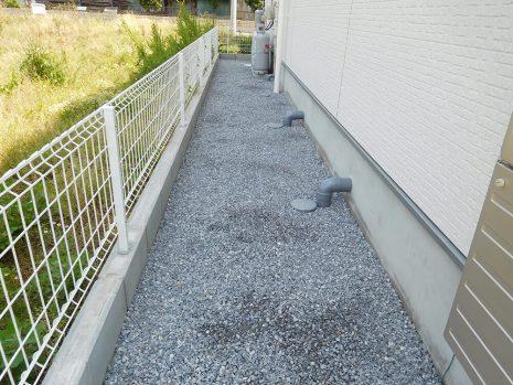芝と砂利で雑草対策 NO.885の施工後写真2