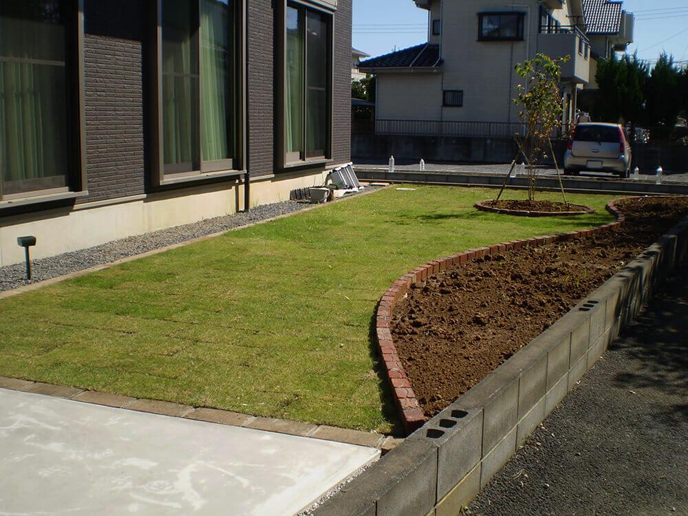 芝生と花壇レンガ NO.990