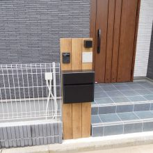 木調タイプの機能門柱 NO.1003の施工写真