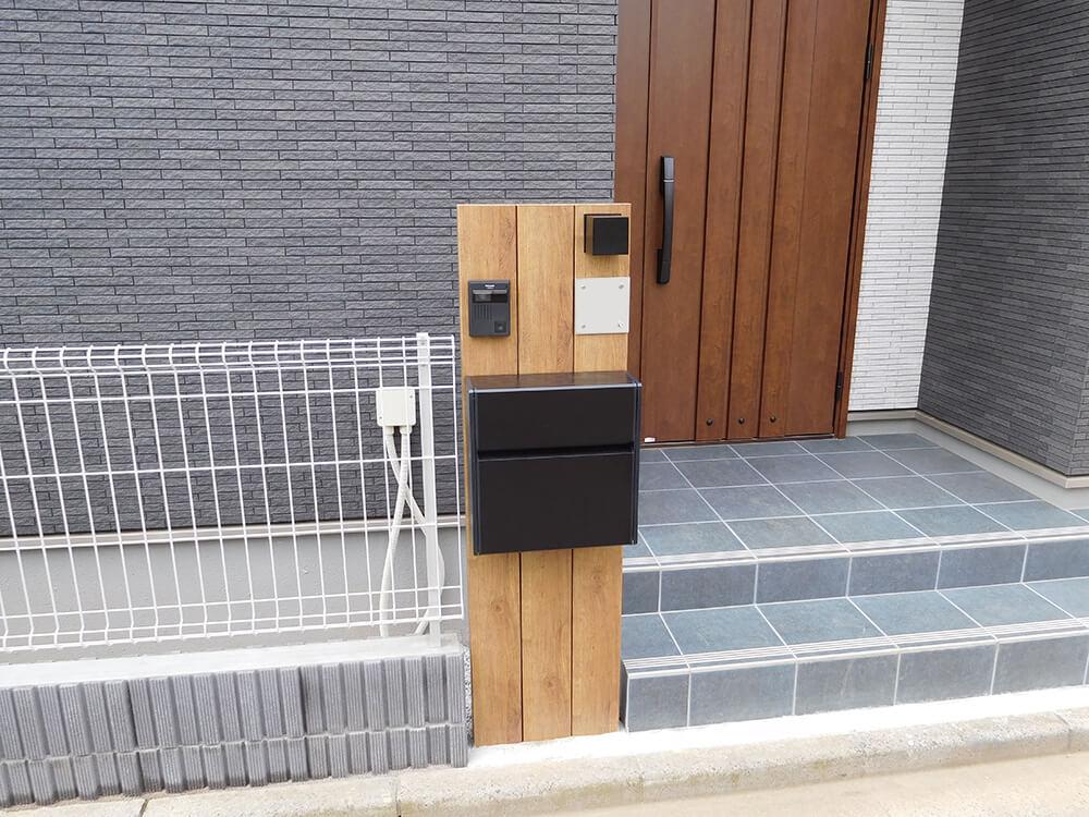 木調タイプの機能門柱 NO.1003