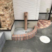 立水栓に合わせたレンガで NO.1009の施工写真