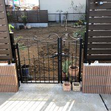 フェンスとブロックでセミクローズ NO.1035の施工写真1