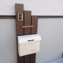 木調の機能門柱とポスト NO.1048の施工写真