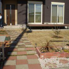雑草対策で天然芝を NO.1050の施工写真