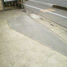 門柱を壊して駐車場拡大へ NO.1076の施工写真2