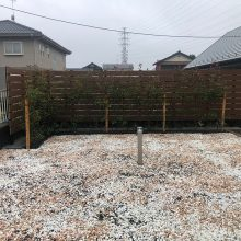 雑草対策と目隠しフェンス NO.1196の施工写真3