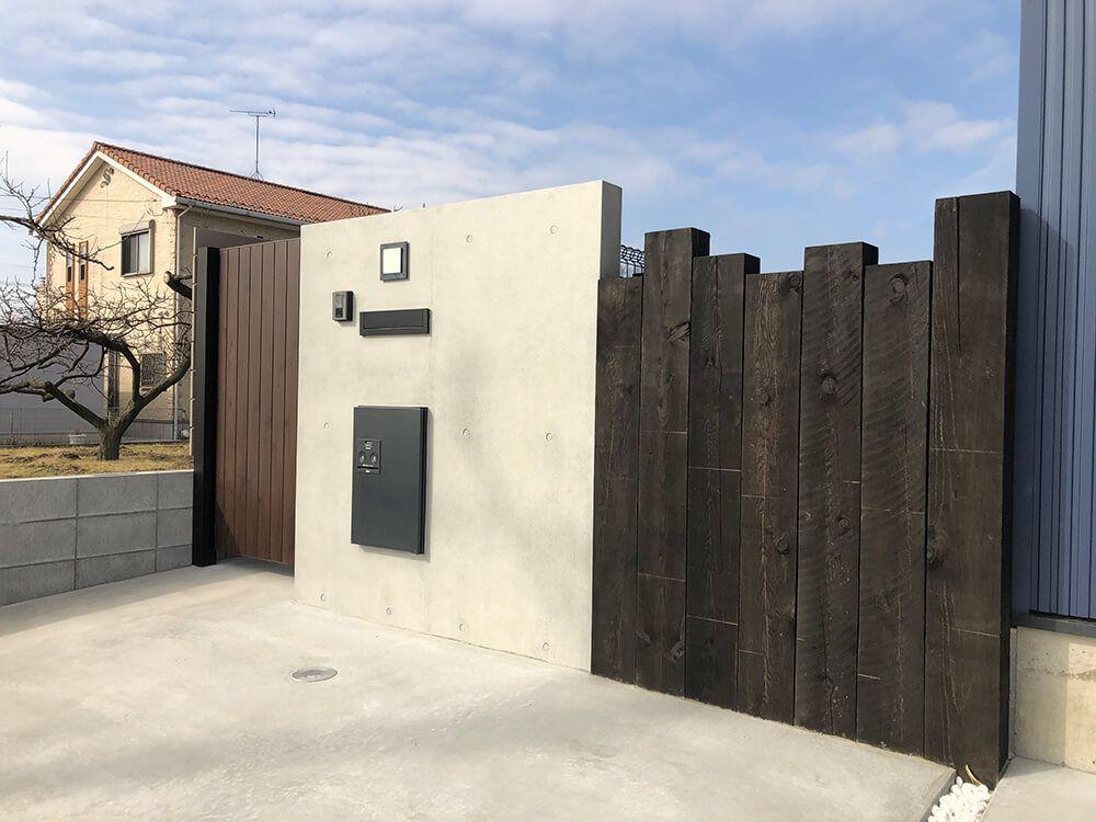 コンクリート打ちっぱなし風造作門柱 NO.1214の施工写真メイン
