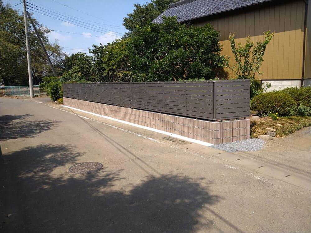 境界目隠しフェンス工事 NO.1290の施工写真2