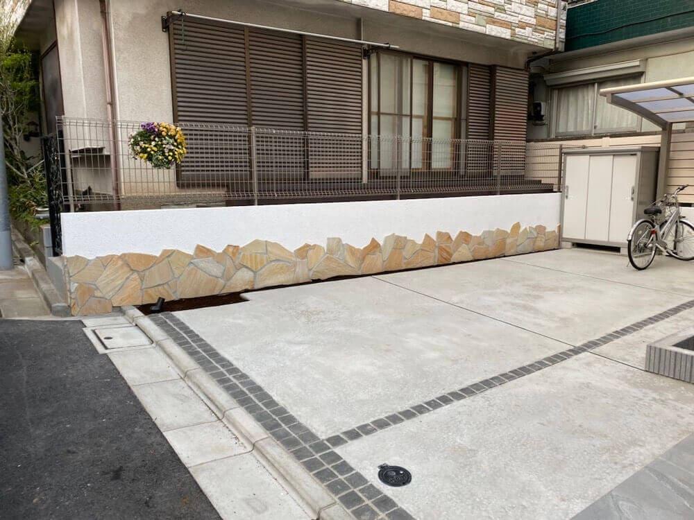 """赤羽 外構工事を行いました。""""歩きやすい駐車場でお花を飾れるお庭"""" 着工後"""